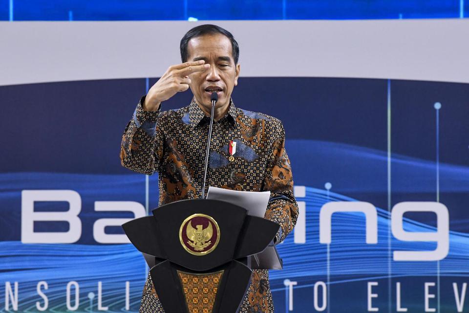 """Presiden Joko Widodo memberikan sambutan saat membuka Indonesia Banking Expo 2019 di Jakarta, Rabu (6/11/2019). Perhimpunan Bank Nasional (Perbanas) menggelar Indonesia Banking Expo (IBEX) 2019 dengan tema """"Consolidate to Elevate""""."""