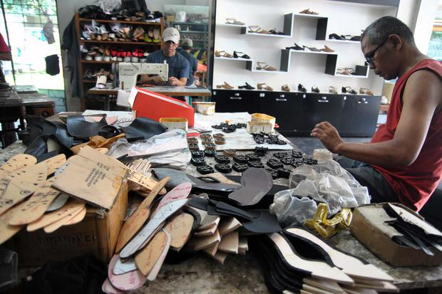 Permintaan Sepatu Bermerek Turun 30%, Ekspor Diramal Stagnan Rp 64 T.