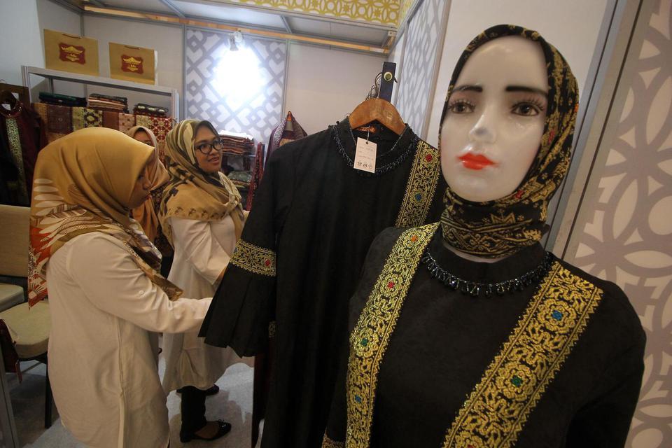 Sharia Fair merupakan rangkaian dari Festival Ekonomi Syariah (Fesyar) 2019 yang diselenggarakan Bank Indonesia untuk memberdayakan perekonomian masyarakat khususnya pelaku usaha syariah. Selain fintech, ini startup syariah yang diminati investor asing.