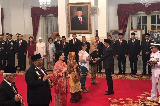 Jokowi, Pahlawan, enam pahlawan