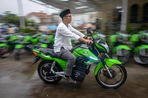 PELUNCURAN MOTOR LISTRIK