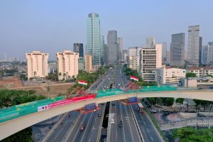 Pengecoran Terakhir Jembatan Lengkung LRT Jabodebek