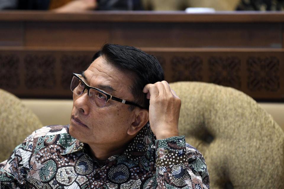 Kepala Staf Kepresidenan Moeldoko mengikuti rapat kerja bersama Komisi II DPR di kompleks Parlemen, Jakarta, Rabu (13/11/2019). Moeldoko menyatakan tak sependapat dengan wacana pembubaran Badan Narkotika Nasional (BNN).