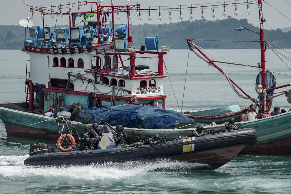 kementerian kelautan dan perikanan, kkp, edhy prabowo, kapal pencuri ikan, nelayan