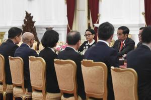 PRESIDEN TERIMA DELEGASI PARLEMEN SINGAPURA