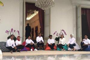 Jokowi dan para staf khusus