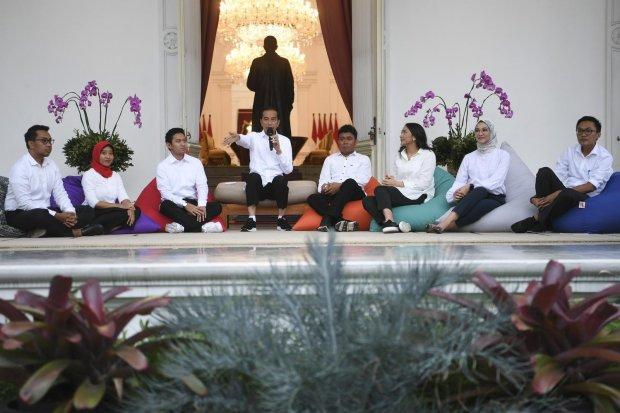 Staf Khusus, Jokowi, Putri Tanjung