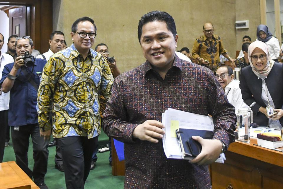 Menteri Badan Usaha Milik Negara (BUMN) Erick Thohir berencana mengubah konsep pembentukan super holding yang digagas pendahulunya, Rini Soemarno