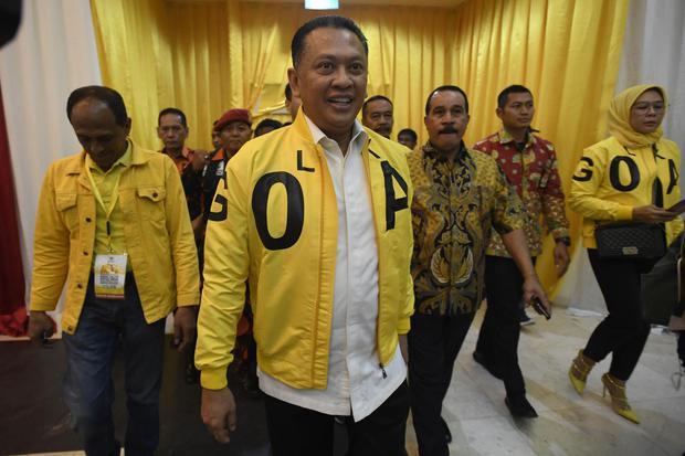 Wakil Koordinator Bidang (Wakorbid) Pratama Partai Golkar Bambang Soesatyo menyatakan mundur dari kursi pencalonan Ketua Umum partai Golkar. Bamseot membatah ada keterlibatan istana di balik keputusannya mundur.
