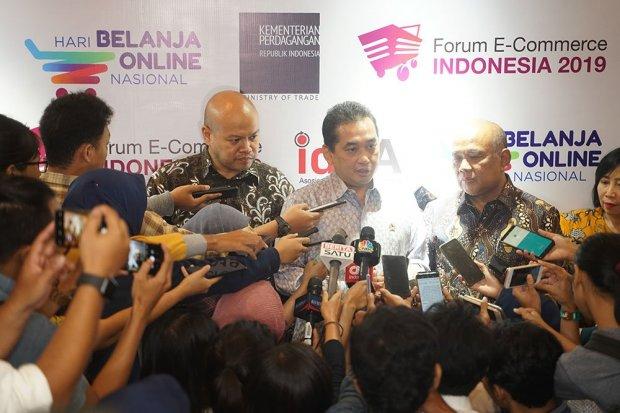 Asosiasi E-Commerce Indonesia (idEA) usul agar Kementerian Perdagangan (Kemendag) mengajak perusahaan media sosial seperti whatsapp hingga instagram berdiskusi tentang PP e-commerce