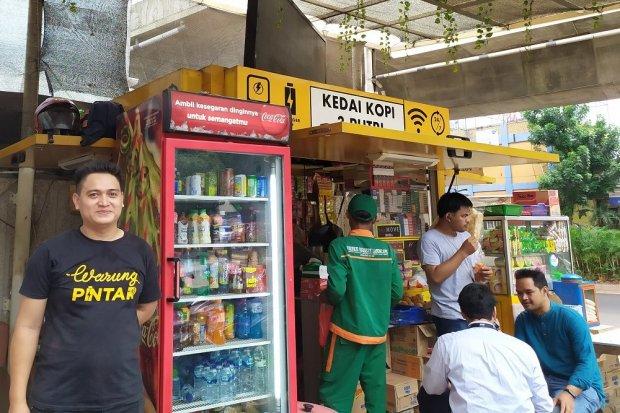 Warung Pintar Kedai 3 Putri milik Junaedi Salad (35 tahun), yang bisa meraup omzet hingga Rp 1,4 miliar dalam setahun.