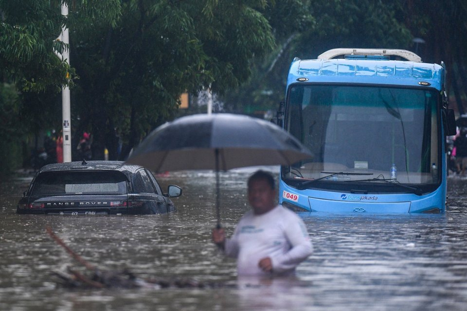 Layanan Telkomsel, Tri dan Indosat Terganggu Akibat Banjir di Jabodetabek