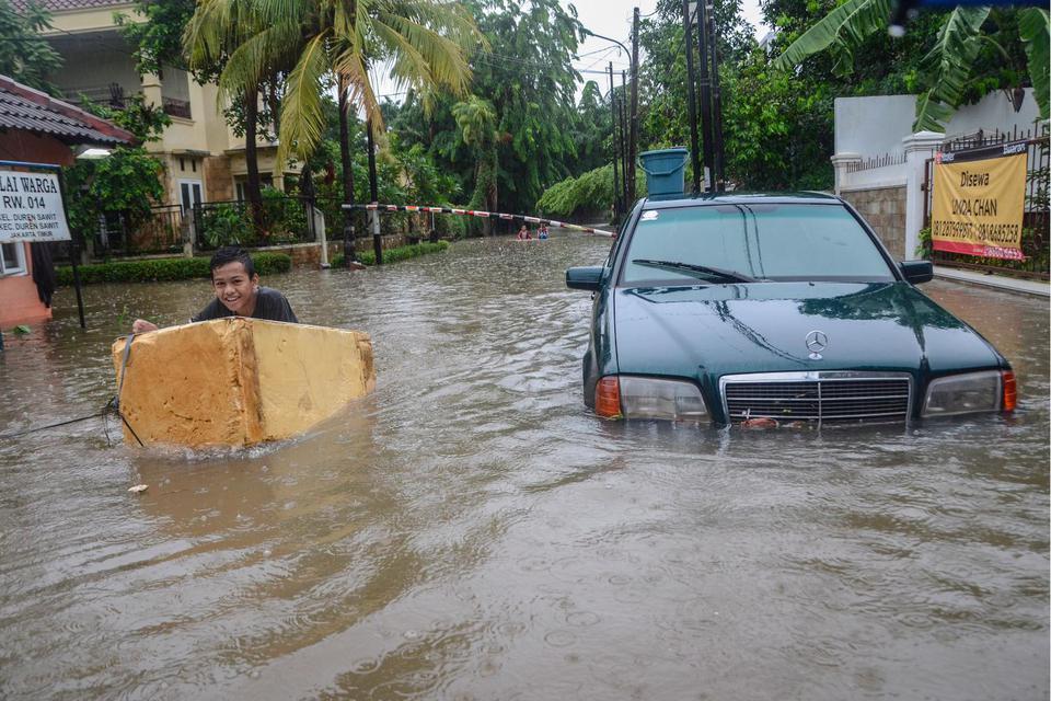 banjir Jakarta, hujan deras, peringatan BMKG