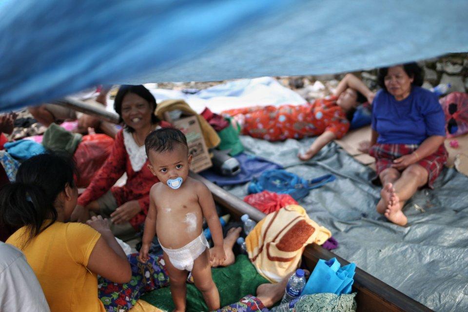 bantuan beras, status tanggap darurat banjir, banjir jakarta