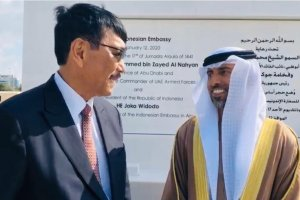 Menteri Koordinator Bidang Investasi dan Maritim Luhut Binsar Pandjaitan dan Putra Mahkota Abu Dhabi Mohamed bin Zayed