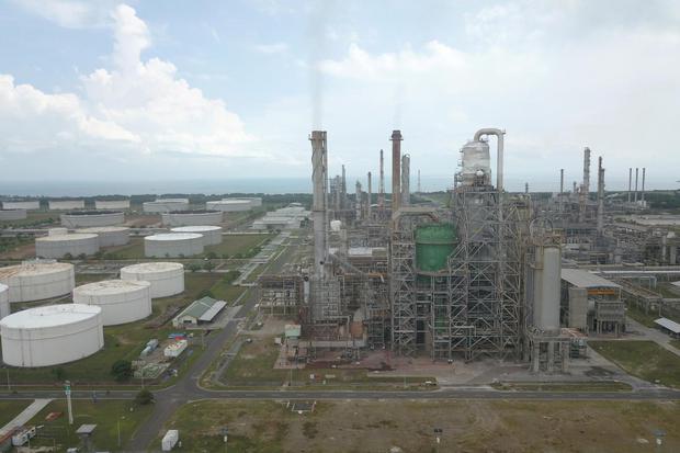 OPEC Sepakat Pangkas Produksi, Harga Minyak Berangsur Naik.