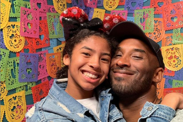 Kobe Bryant dan putrinya, Gianna, meninggal dunia dalam kecelakaan helikopter di California, AS, Minggu (26/1).