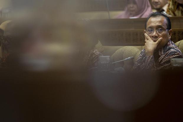 Menteri Sekretaris Negara Pratikno mengikuti rapat kerja dengan Komisi II DPR di Kompleks Parlemen, Senayan, Jakarta, Selasa (28/1/2020). Rapat tersebut membahas penjelasan Pemerintah terkait aset-aset negara.