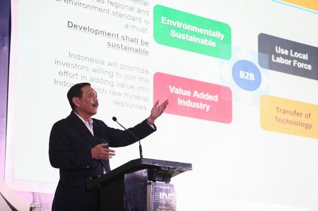Ilustrasi, Menteri Koordinator Bidang Kemaritiman dan Investasi Luhut Binsar Pandjaitan. Pemerintah akan segera merampungkan regulasi perpajakan dan pelat khusus merespons komitmen Hyundai memproduksi mobil listrik secara massal akhir 2021.