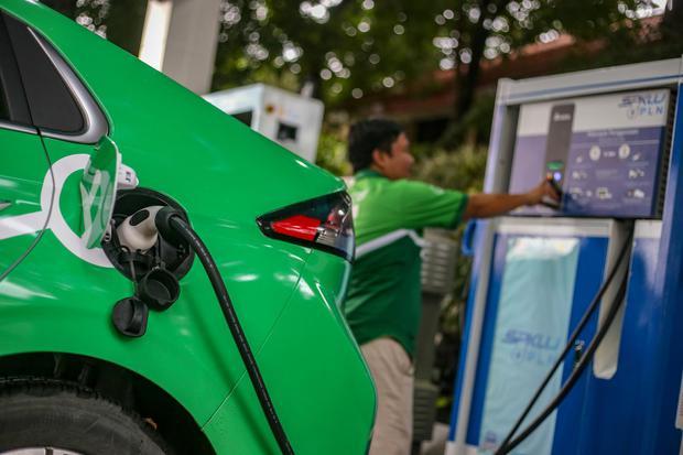 PLN, Grab, Wuling, Gesit Motor, Hyundai Indonesia, mobil listrik, ev, kendaraan listrik, electric vehicle