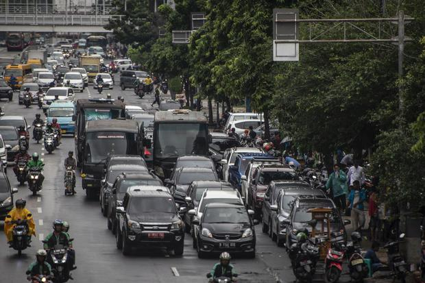 Ilustrasi. Kebijakan ganjil genap berlaku untuk kendaraan roda empat di 25 ruas jalan protokol DKI Jakarta.