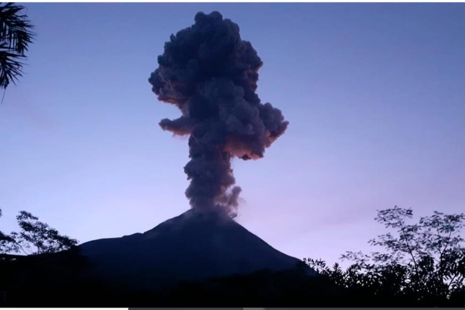 gunung merapi erupsi, gunung merapi