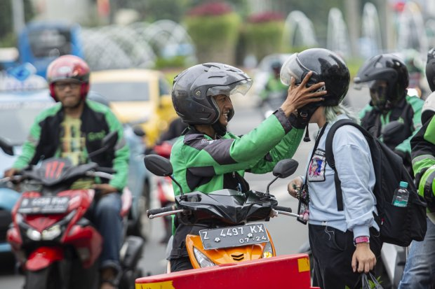 CSIS Orderan Turun 50% Imbas Corona, Asosiasi Ojek Online Tolak Lockdown - Berita Katadata.co.id