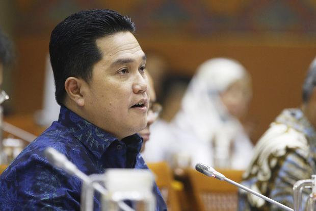 Menteri BUMN Erick Thohir mengikuti rapat kerja dengan Komisi VI DPR di Kompleks Parlemen, Senayan, Jakarta, Kamis (20/2/2020). Rapat tersebut membahas evaluasi pelaksanaan APBN 2019 dan peta jalan Kementerian BUMN.