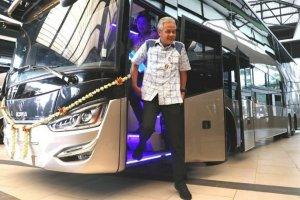 Bus tingkat Legacy SR2 Double Decker