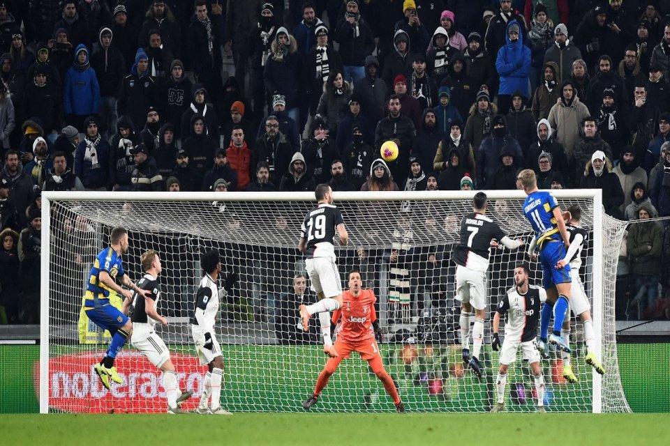 Juventus melawan Parma di ajang Seri A Liga Italia. Otoritas sepak bola Italia mempertimbangkan untuk menggelar laga tanpa penonton akibat dampak virus Korona.