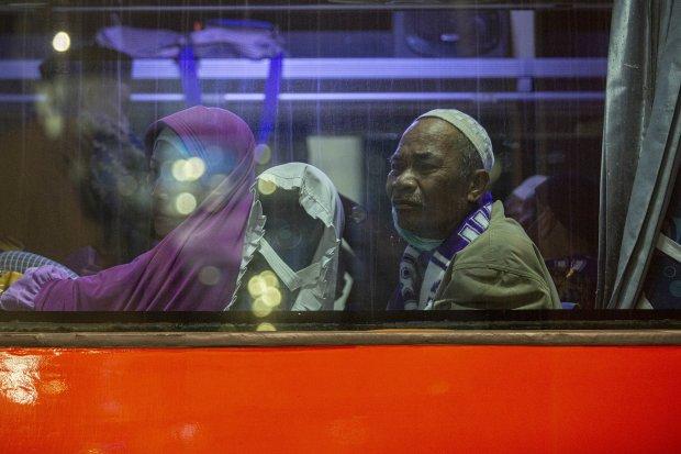 Jamaah Umrah Menumpuk di Bandara