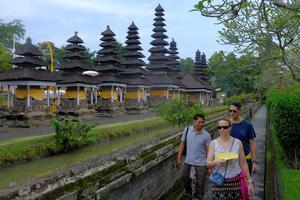 RENCANA INSENTIF PARIWISATA INDONESIA AKIBAT COVID-19