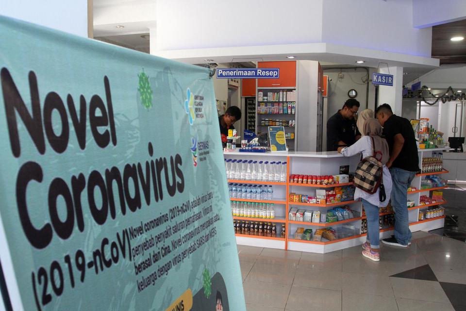 Salah satu gerai apotek Kimia Farma di Padang, Sumatera Barat. Untuk meningkatkan kinerjanya di saat pandemi corona, Kimia Farma memangkas belanja modal dan tingkatkan efisiensi.