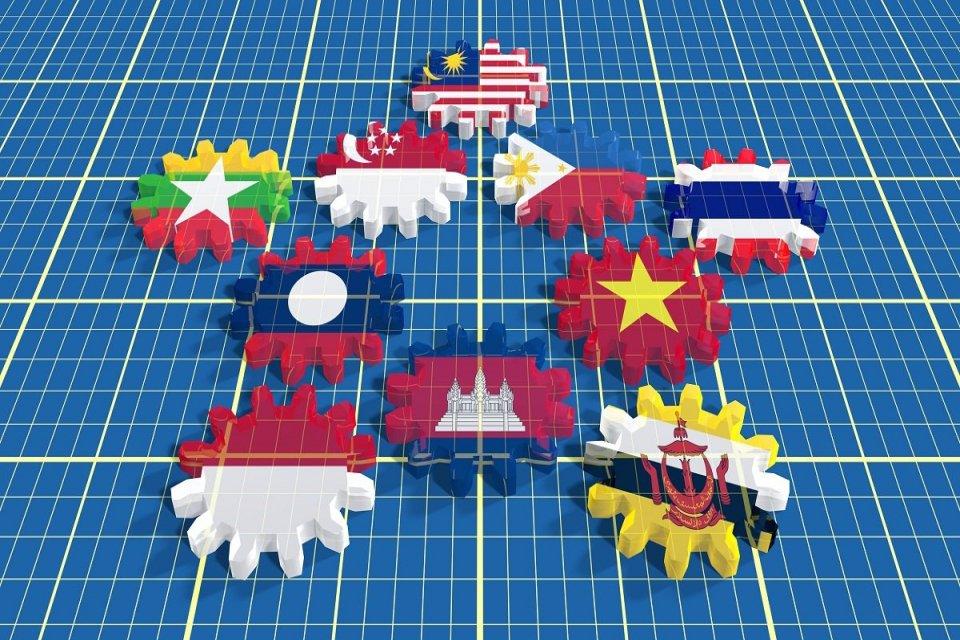 Telaah - ekonomi Asia Tenggara
