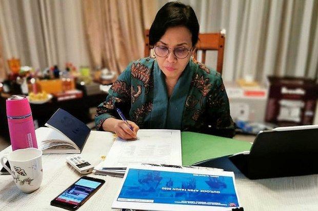 Menteri Keuangan Sri Mulyani Indrawati. Untuk menanggulani dampak pandemi corona Sri Mulyani meningkatkan BLT Desa menjadi Rp 2,7 juta per keluarga.