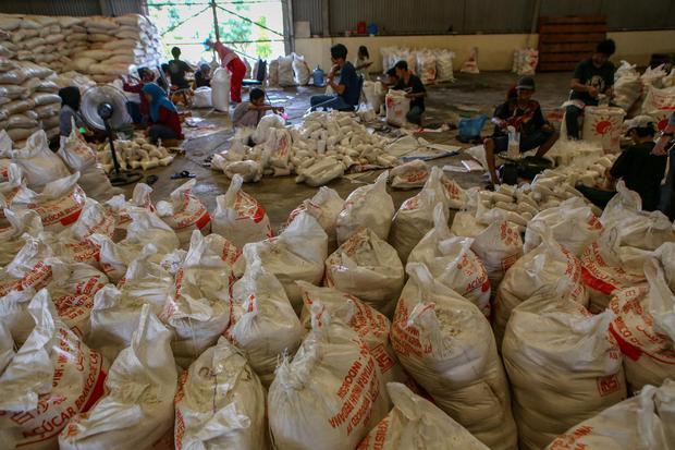 Impor Terlambat, KPPU Temukan 34 Provinsi Jual Gula Pasir di Atas HET.