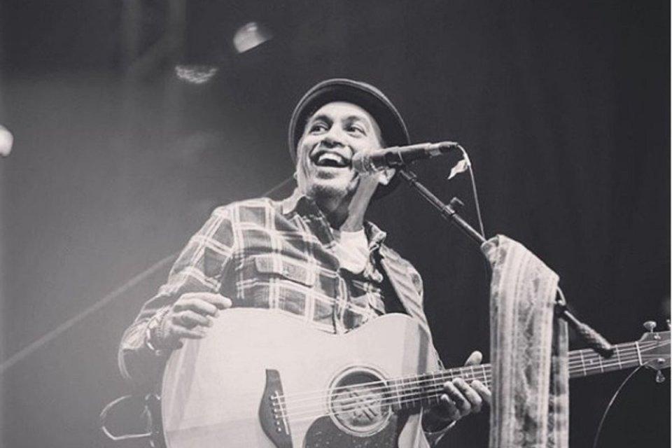 Penyanyi Glenn Fredly dikabarkan meninggal dunia pada Rabu (8/4).