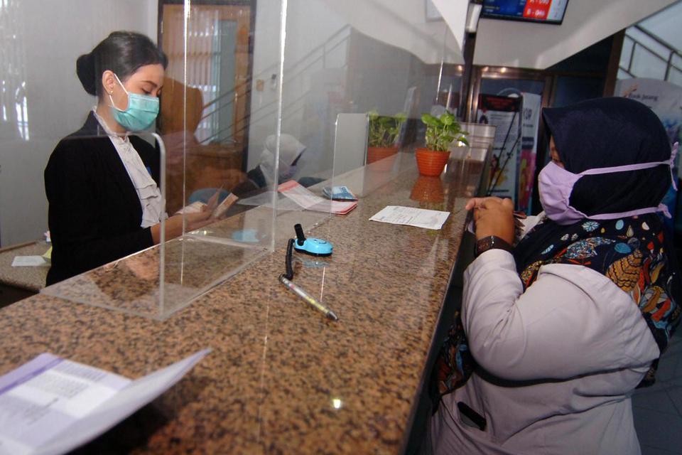 new normal, protokol kesehatan di kantor, aturan kesehatan di tempat kerja, pandemi corona, covid-19, virus corona