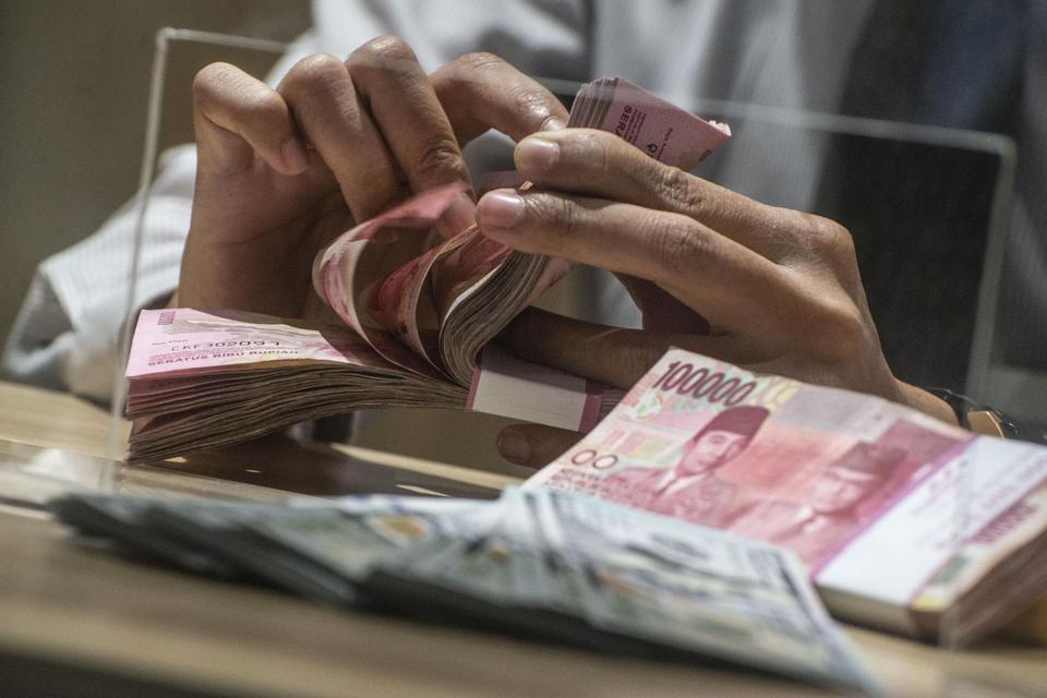 Kecemasan Pasar Wabah Corona Meningkat, Rupiah Tertekan ke Rp 14.225 per dolar AS.