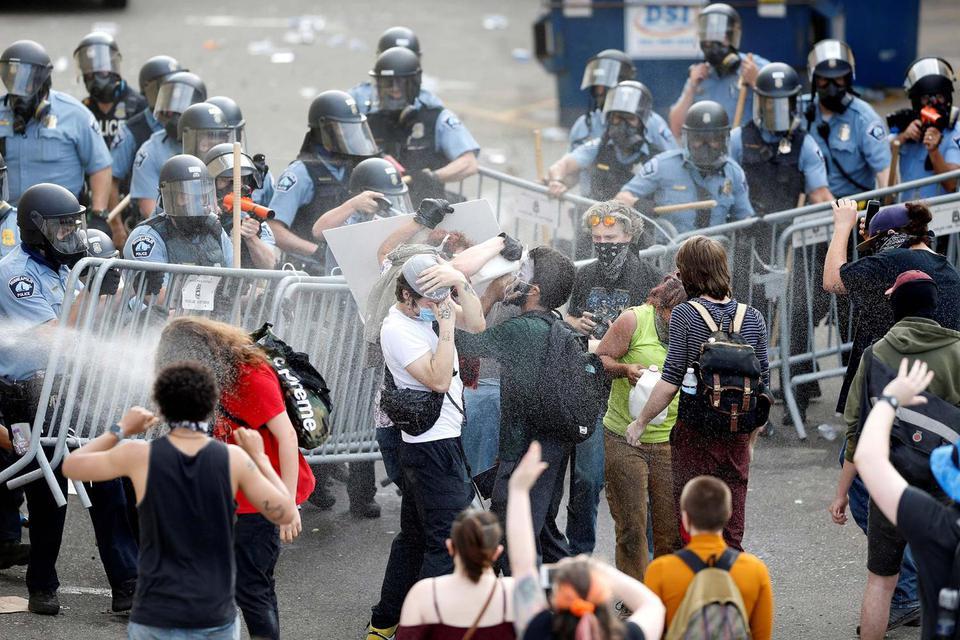kerusuhan di as, kematian george floyd, george floyd, polisi as bunuh warga kulit hitam, konflik ras di AS