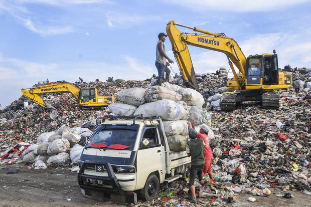 Lipsus Sampah Jakarta untuk Tulisan Pertama (Foto Cover 1)