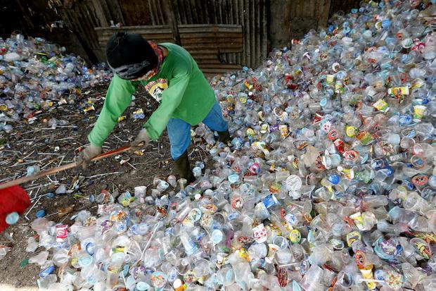 sampah plastik, lingkungan, coca cola, ekonomi sirkular