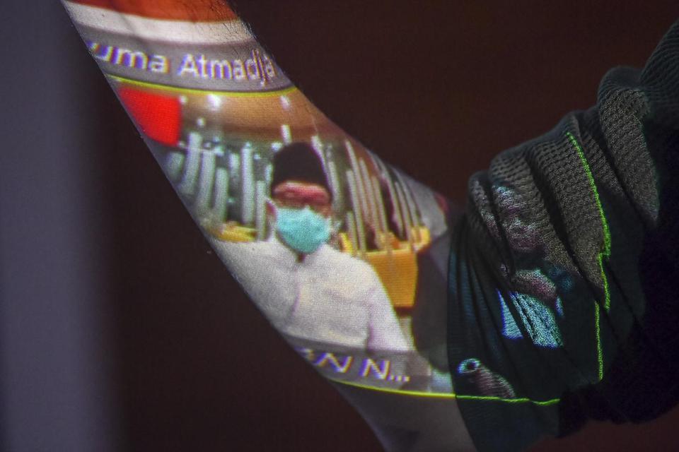 Ilustrasi persidangan Imam Nahrawi. Perjalanan kasus korupsi Imam Nahrawi lebih kurang dua tahun. Kini ia divonis 7 tahun penjara.
