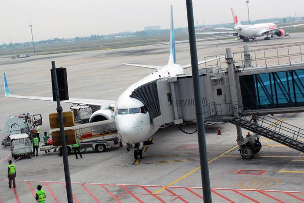 bps, penumpang udara, penumpang domestik, wisatawan mancanegara, wisman