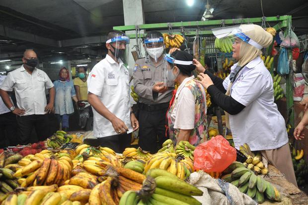 pasar tradisional, covid-19, pandemi corona, virus corona