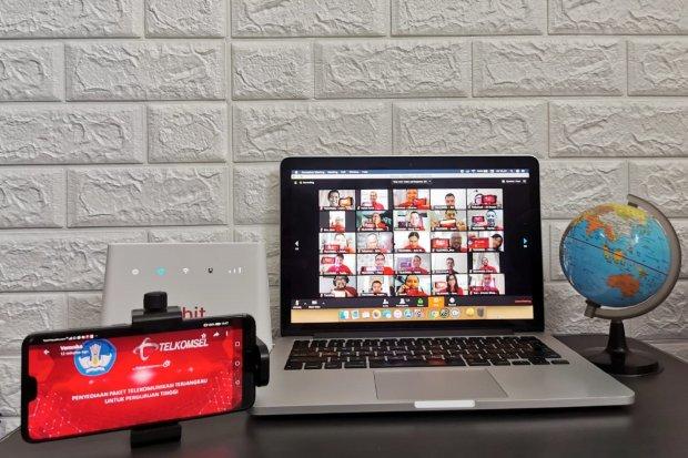 Telkomsel dan Nadiem Beri Kuota Internet Murah untuk Dosen-Mahasiswa
