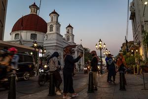 KASUS COVID-19 INDONESIA PERINGKAT KEEMPAT DI ASIA