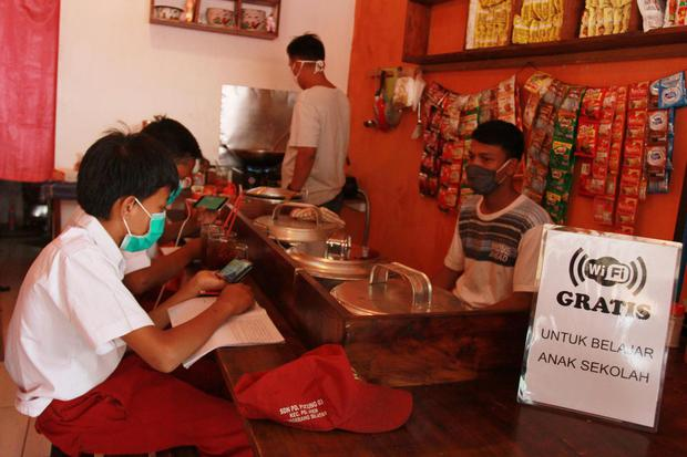 Indosat hingga XL Tawarkan Paket Internet Murah untuk Pelajar-Karyawan