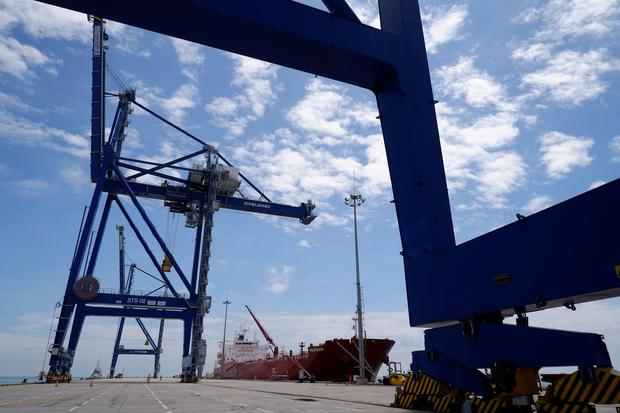 pelindo, pelabuhan tanjung , logistik, data keuangan Pelindo