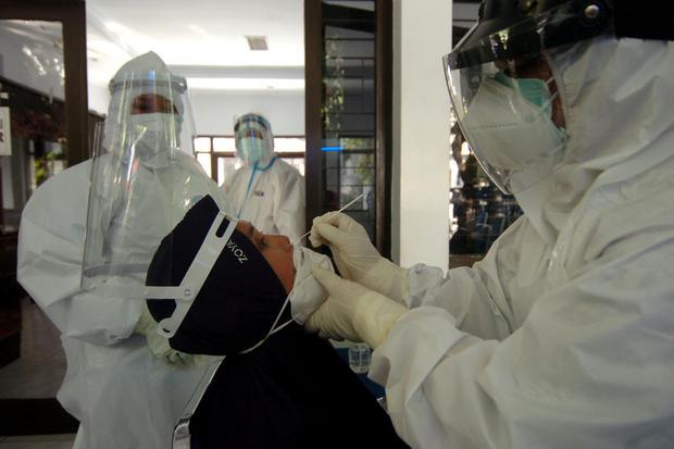 virus corona, covid-19, jawa timur